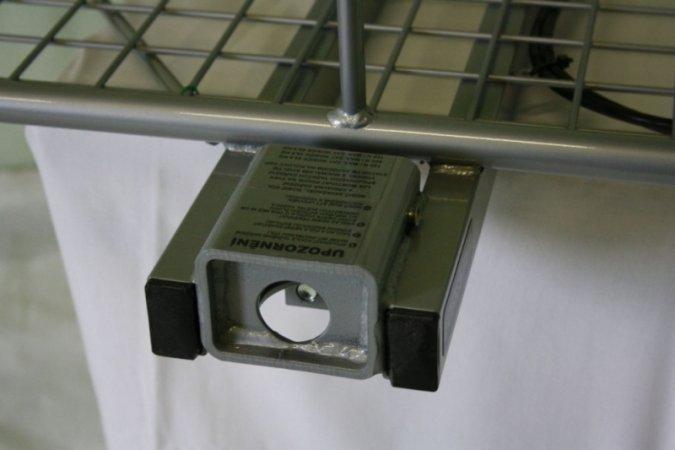 Nosič na auto SUPERIOR s ohrádkou a světly - komaxit - 60 x 120