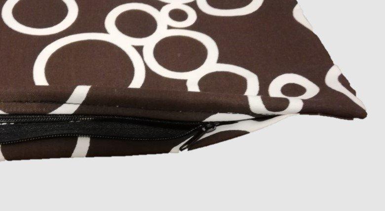 Polštářek s povlakem bílé kruhy - 40 x 40 cm