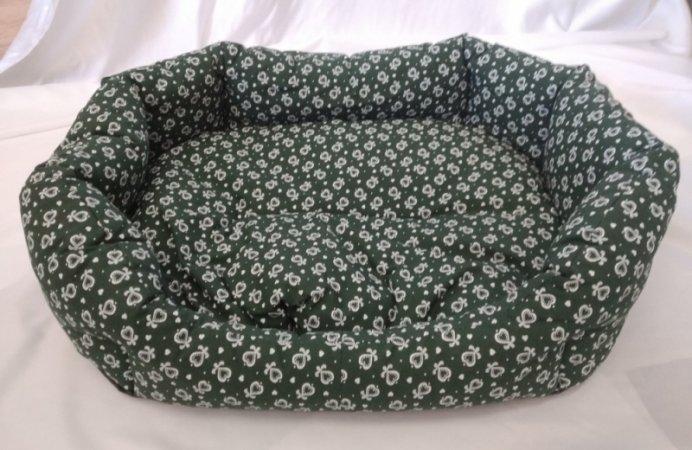 Pelech pro domácí mazlíčky - zelený se srdíčky - Výprodej